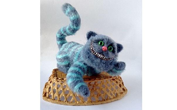 Вязаный чеширский голубой кот. Описание