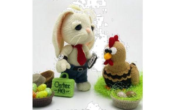 Вязаные зайцы и курочка. Описание