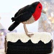 Вязаная птица малиновка. Описание