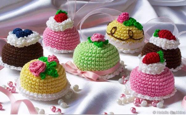 Вязаные крючком сладости: пироженые. Схема
