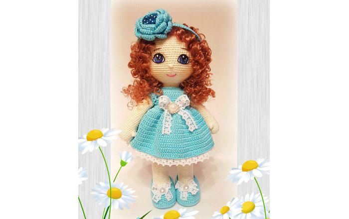 Вязаная крючком кукла в голубом платье. Схема