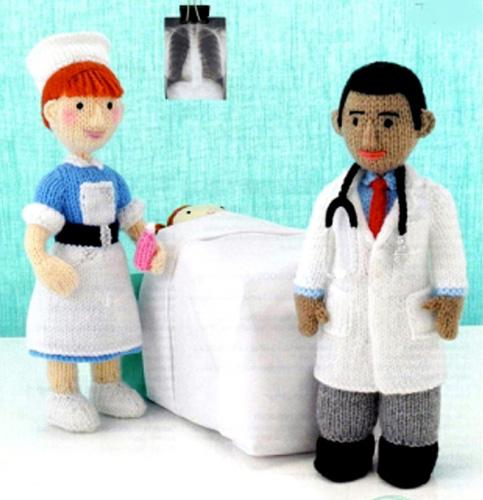 Вязаные куклы Доктор и Медсестра. Спицами