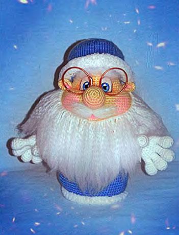 Вязаный крючком дед Мороз
