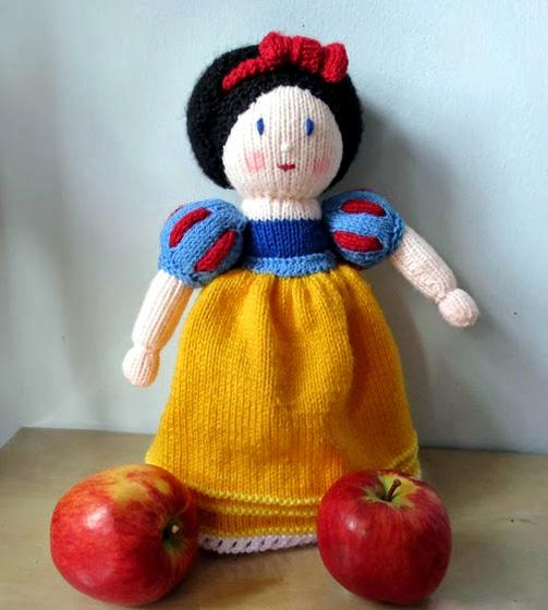 Вязаная куклы Белоснежка. Спицами