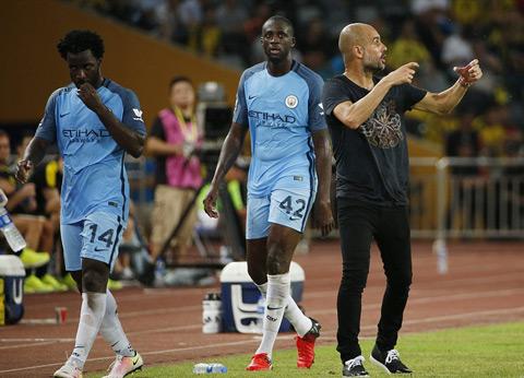 Man City duoi thoi Pep Guardiola Tam biet tien dao Bony hinh anh 3