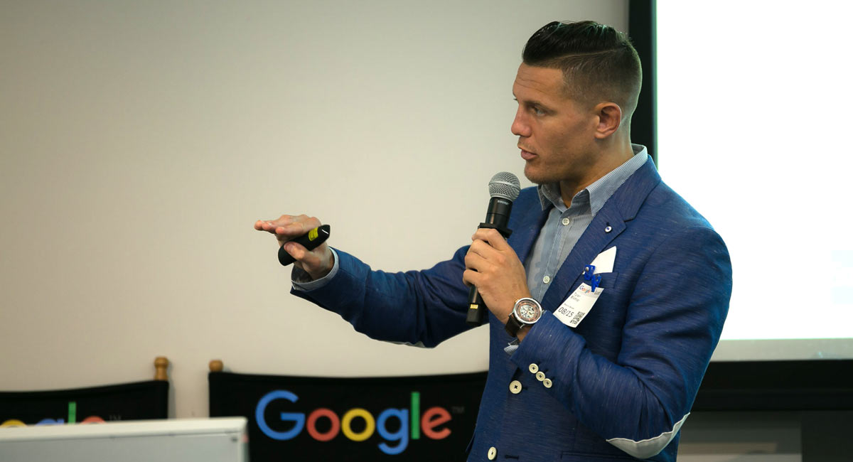 free masterclass lessons on how to improve your blogs SEO and rank higher in Google search results with Ezoic marketing expert Tyler Bishop