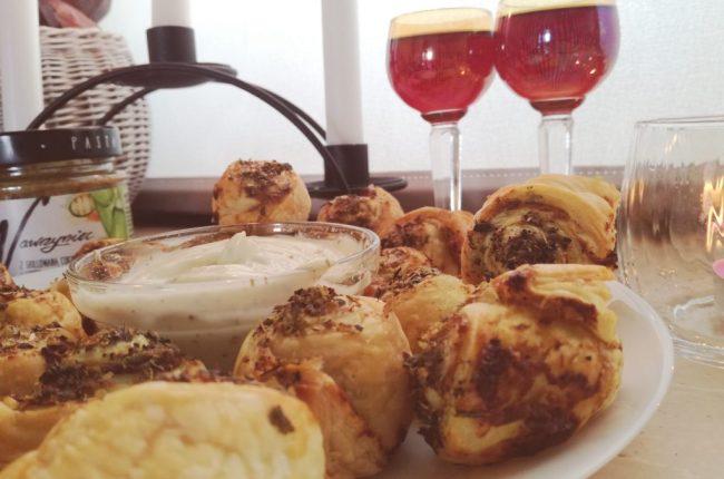 francuskie-slimaczki-z-pasta-wawrzyniec-grillowana-cukinia-i-curry