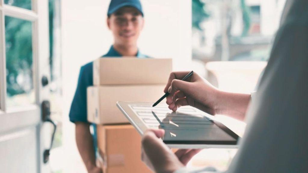 distribution goods to customer