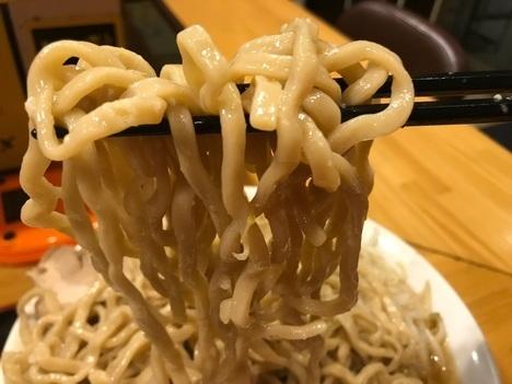 坂戸二郎系ラーメン麺たなか大盛りラーメンヤサイマシ麺リフト