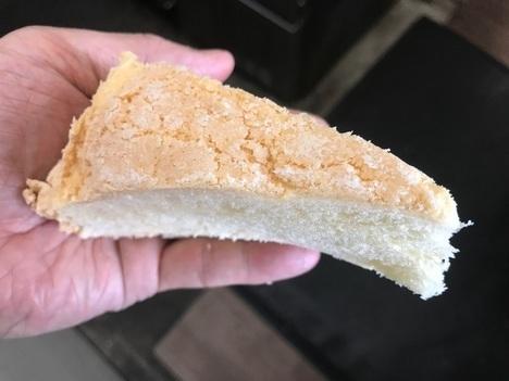 18切符大食い旅多賀SA上りメガ盛りメロンパン16分の一カット