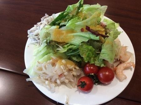 上里カンターレのイタリアンビュッフェのサラダ