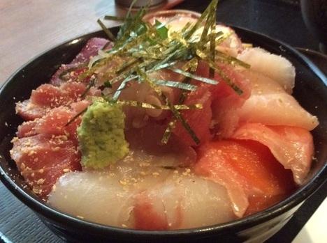上尾高半海鮮丼普通盛り