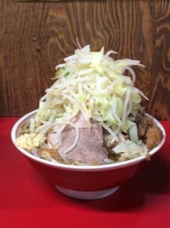 ラーメン二郎新潟店大ラーメン豚入り野菜マシマシ