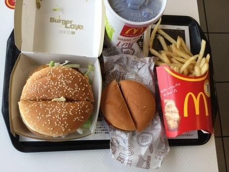 ギガビックマックセットとハンバーガー比較