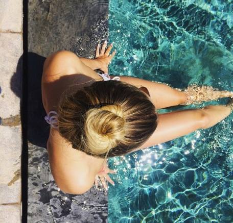 6 swimming hairstyles long