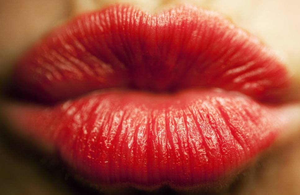 Can You Wear Lipstick With A Cold Sore Heres What You
