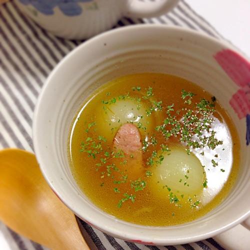 小玉ねぎとウインナーのスープ