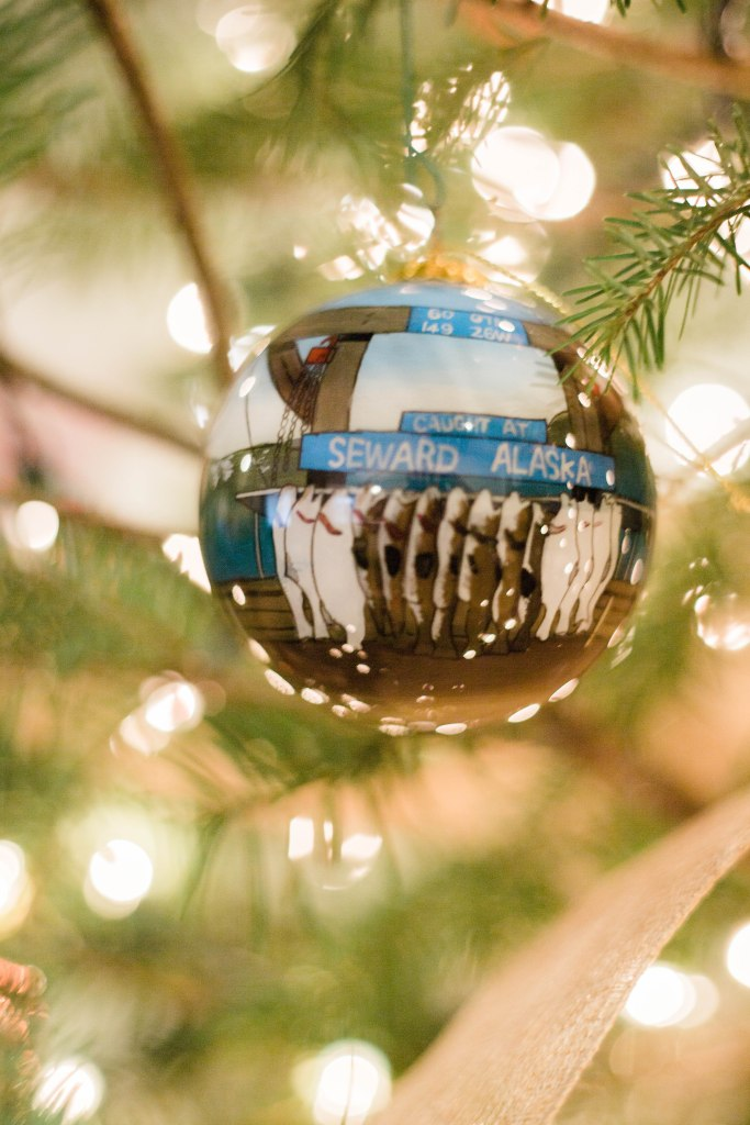 Christmas tree decoration ideas, Christmas tree decorations with ribbon