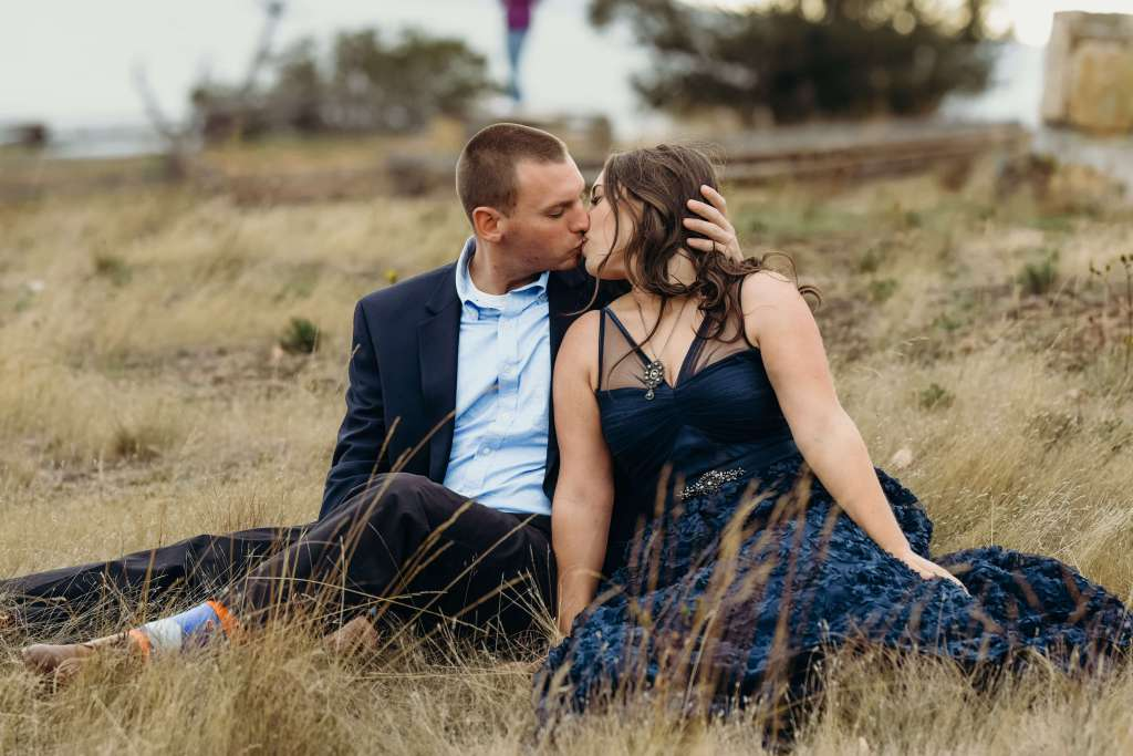 outdoor wedding and engagement photos