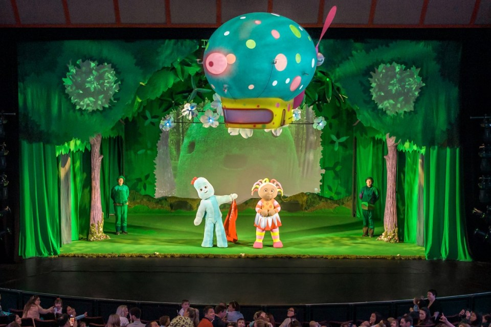 In The Night Garden...Live image. The Pinky Ponk