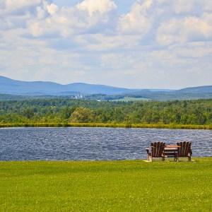 De l'autre côté du lac…