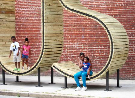 bus-stop-mmmm-designboom05