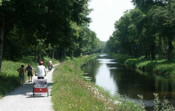 Canal De Nantes Brest