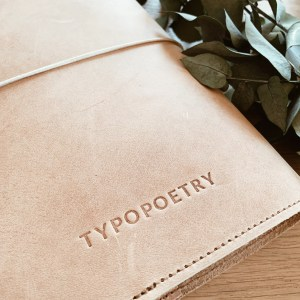 Typopoetry Leder Cover A5 hell