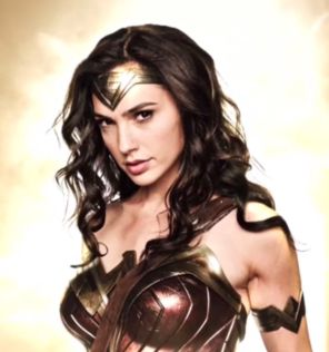 breaking-wonder-woman-movie-is-moved-up-921793