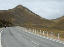 Getting near the top of the Lindis Pass