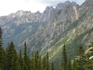 042. Climbing up to Washington Pass