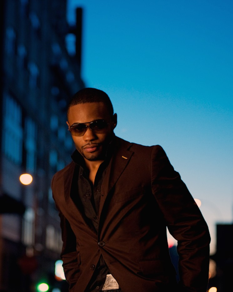 Playing It By Ear photoshoot with Musician producer Influencer Tyrone Smith Gucci shades