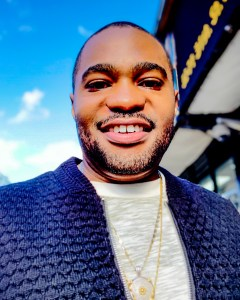 Gazing and Blazing a Stroll through NYC is mens fashion influencer Tyrone Smith famous celebrity musician producer ben sherman g-star raw