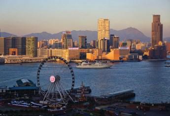 Hong_Kong_skyline_with_ferris_wheel