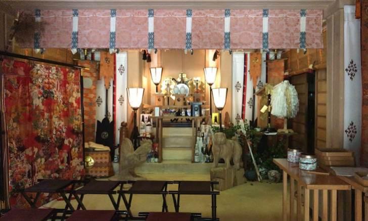 新宿 歌舞伎町 稲荷鬼王神社 社殿