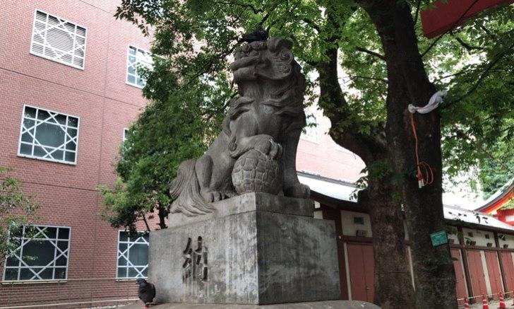 新宿 歌舞伎町 花園神社 狛犬