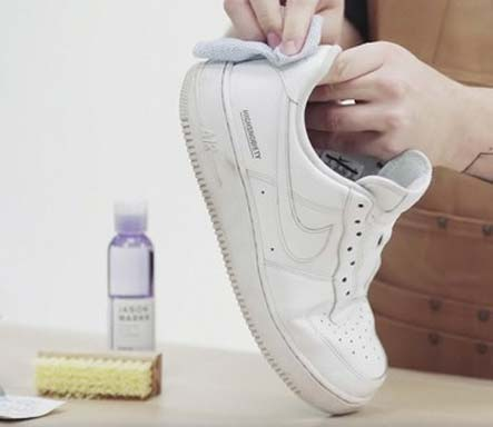 Kapalina na boty