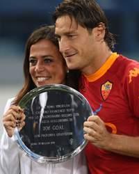 Rosella Sensi & Francesco Totti - AS Roma  (Getty Images)
