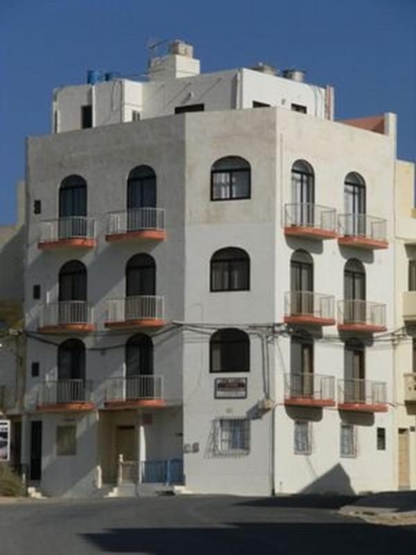 Sunset Seaview Apartments Gozo Malta Youth Hostels Triq