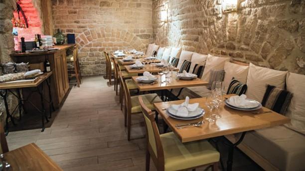 L Auberge Du Roi Gradlon In Paris Restaurant Reviews Menu