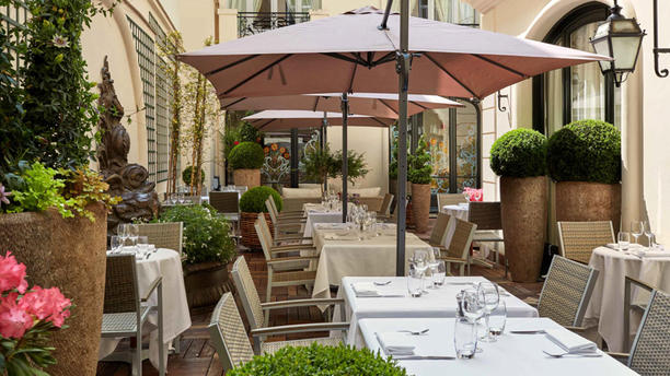 Restaurant Hotel Regina In Paris Restaurant Reviews Menu