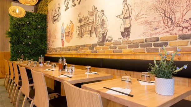 Au Bonheur In Paris Restaurant Reviews Menu And Prices
