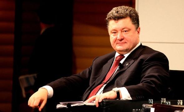 """Журналісти радіо """"Свобода"""" встановили, що Порошенко будується у буферній зоні Києво-Печерської лаври"""