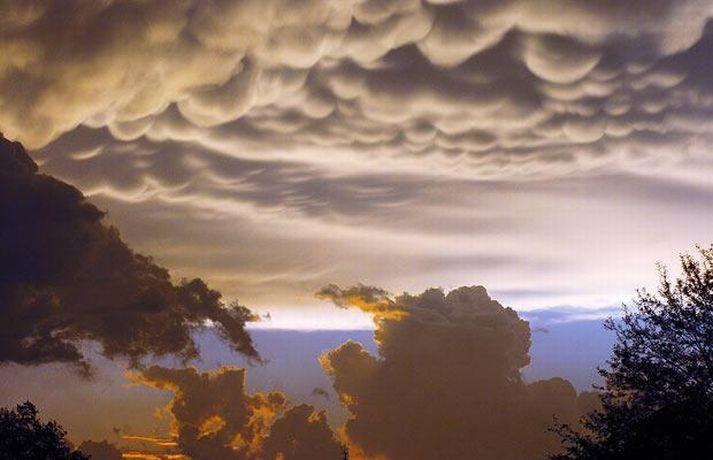 Форт-Смит, Арканзас, 22 апреля. ФОТО: AP Облака странной формы.