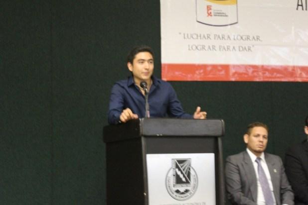 Martin Mijares Presidente de la Sociedad de Alumnos