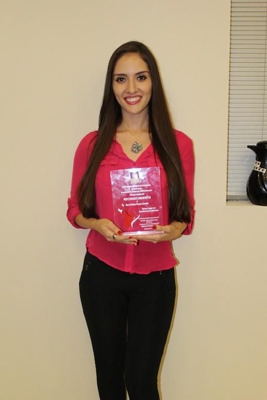 Ilse Torres Tercer lugar entre los alumnos después de quinto semestre