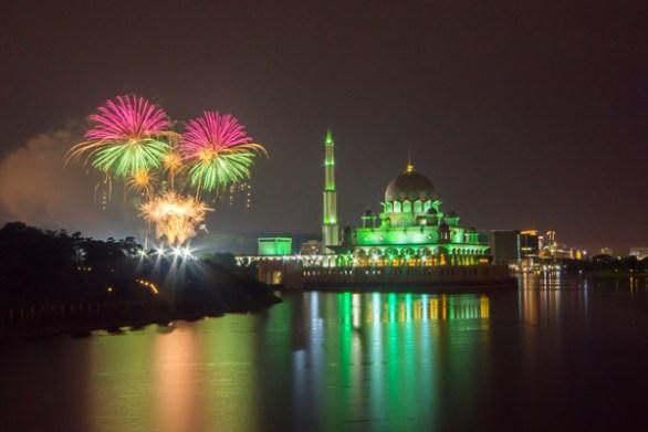 the beach dubai fireworks