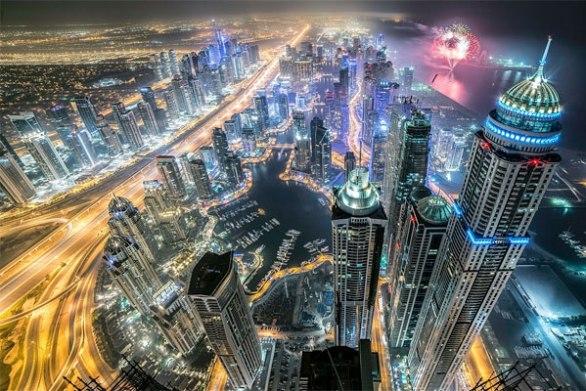 Dubai-fireworks-day
