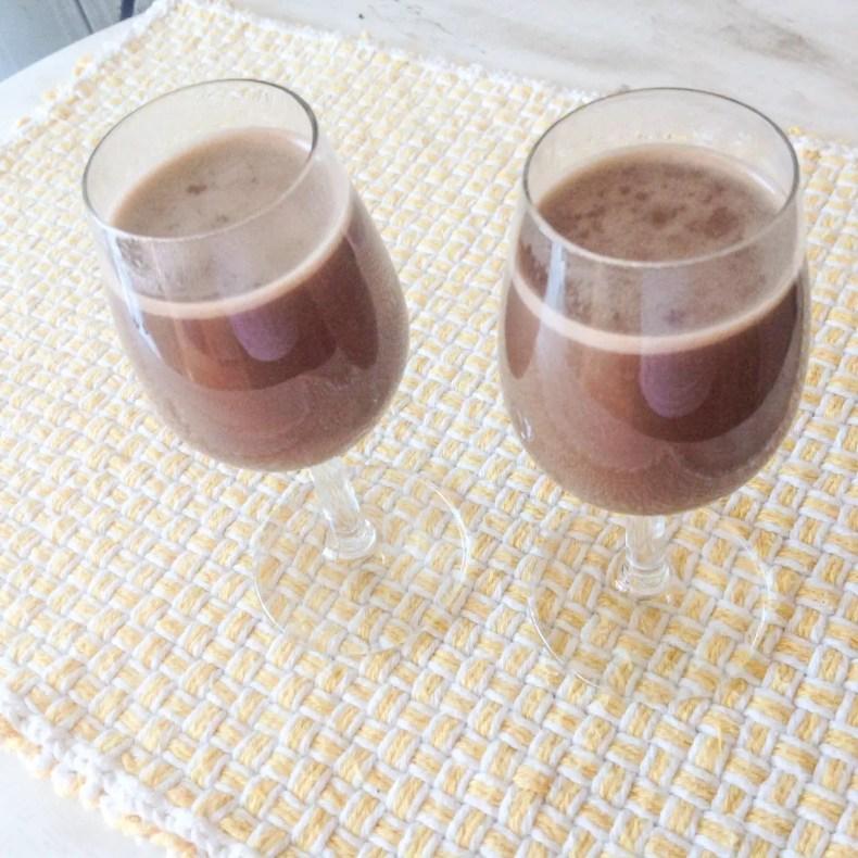 Chocolate Quente com Menta para aquecer as noite de inverno. Sem lactose pois é feito com leite de coco!