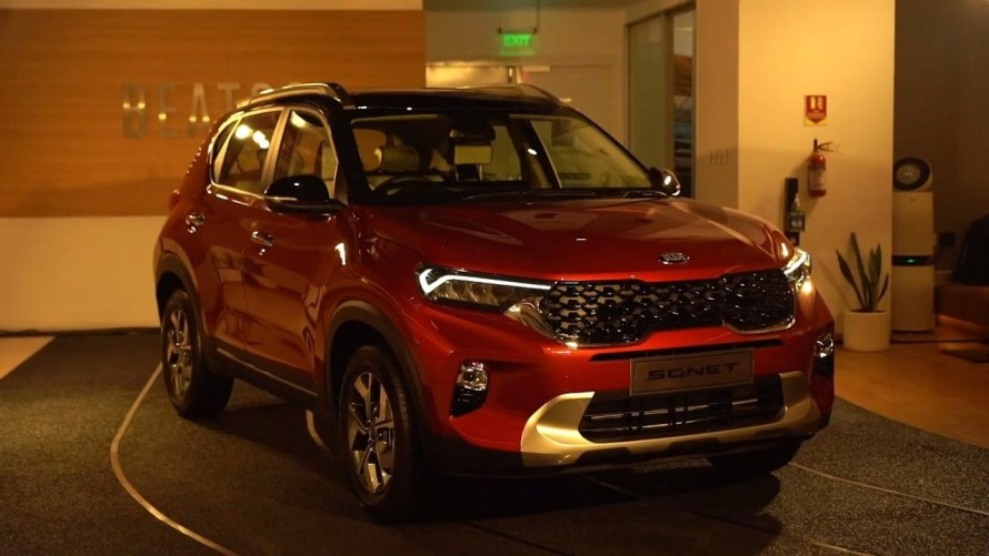 Launched in the month of Sep-2020  appears like KIA Sonet is better than the competition. it's starting at a price of Rs.6.71 lakhs. and competes with Maruti Vitara brezza, Ford EcoSport, Tata Nexon, Hyundai Venue and many more.